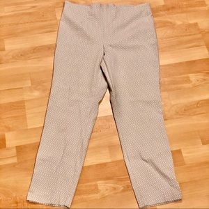 3/$10 // TRIBAL Cropped Mid-Calf Slacks